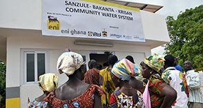 Eni Ghana inaugura sistema idrico ad energia solare a Sanzule