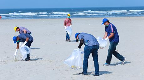 "Eni Pakistan aderisce all'iniziativa ""Clean Beach"""