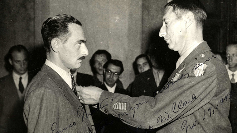 Mattei receives his medal in recognition of his work with the partisan forces (1945)